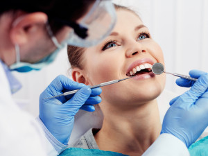 Преимущества керамических вкладок на зубы